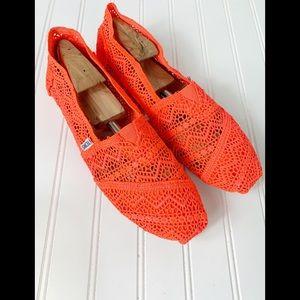 Toms Nein Orange Crochet Loafers Size 11 NWOT